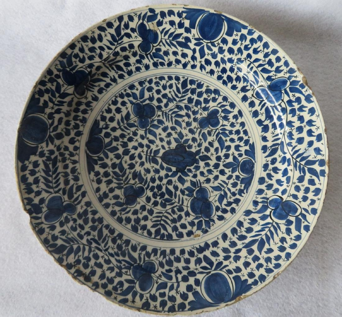 Tin glazed charger, probably Delft,  decorated in blue - 2