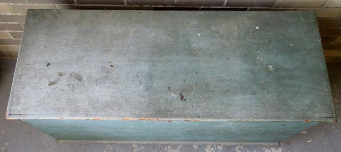 The best Hudson Valley 6 board blanket box in original - 3