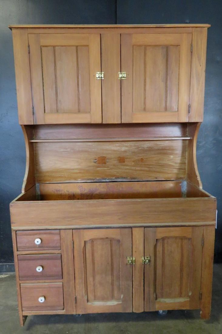Poplar wood drysink with cupboard top having to 2 doors