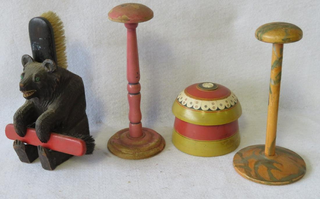 Grouping of 4 country items - carved bear, hat holders