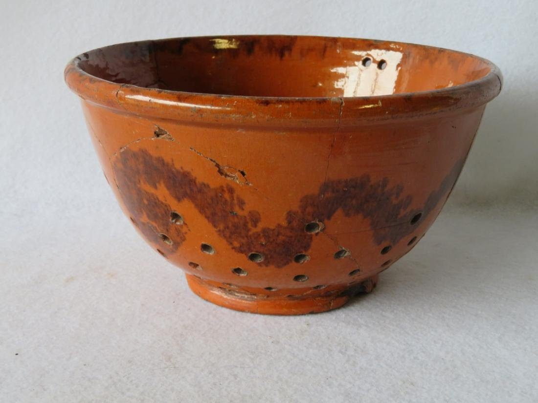 American Redware colander with wavy manganese - 2