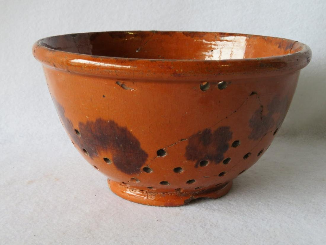 American Redware colander with wavy manganese - 4