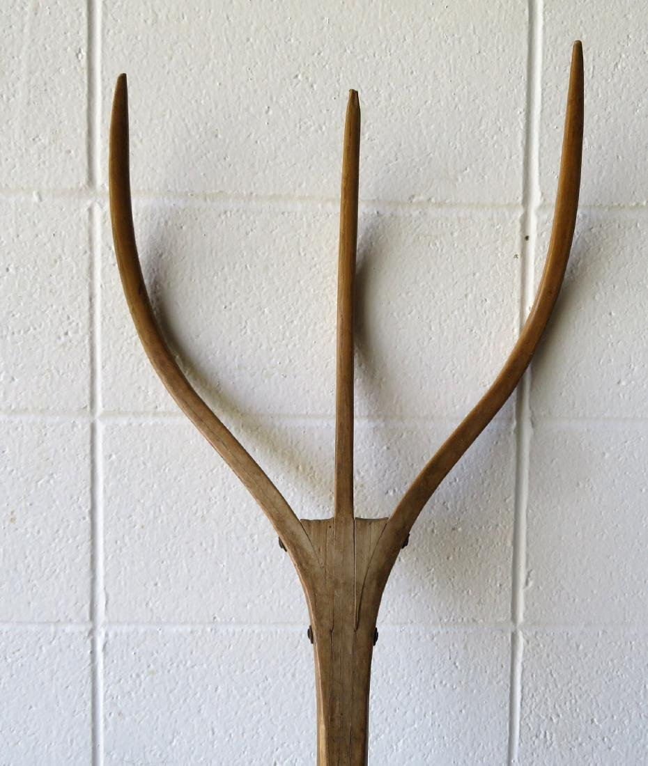 Large wooden hay fork with curved wooden teeth, 19th - 2