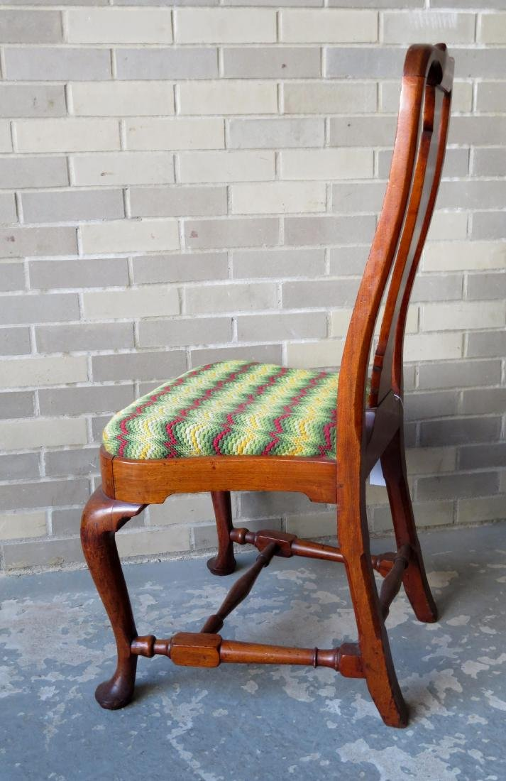 Boston Queen Ann walnut side chair with compass-seat, - 3