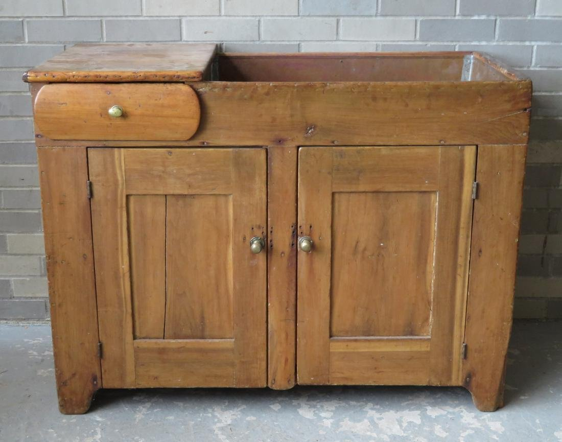 Country pine and poplar wood dry sink, having 1