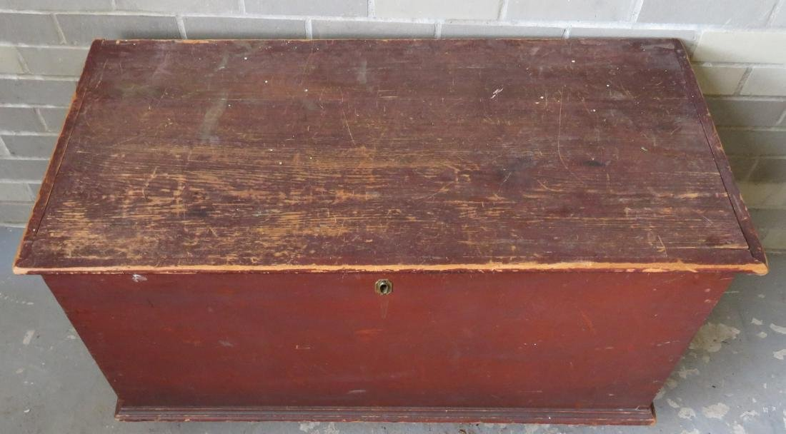 Blanket box in original red paint with interior till - 2