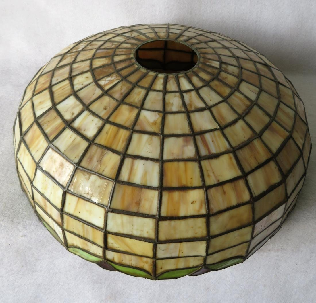 Art Nouveau table lamp with tiled geometric pattern - 5