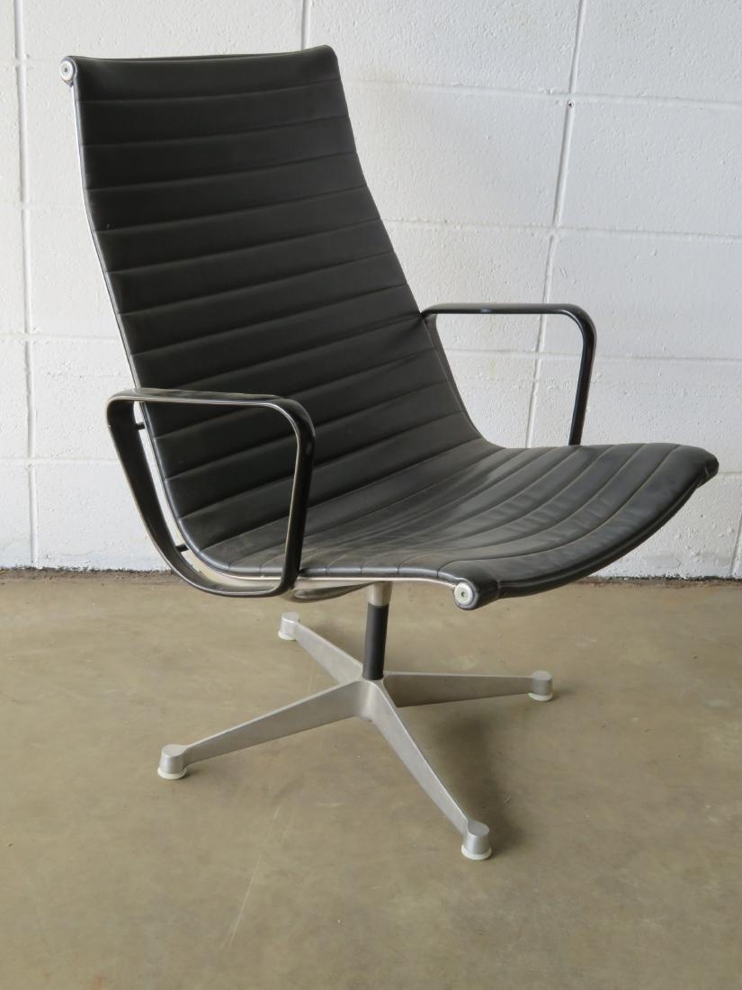 Signed Herman Miller (Charles & Ray Eames design) black - 2