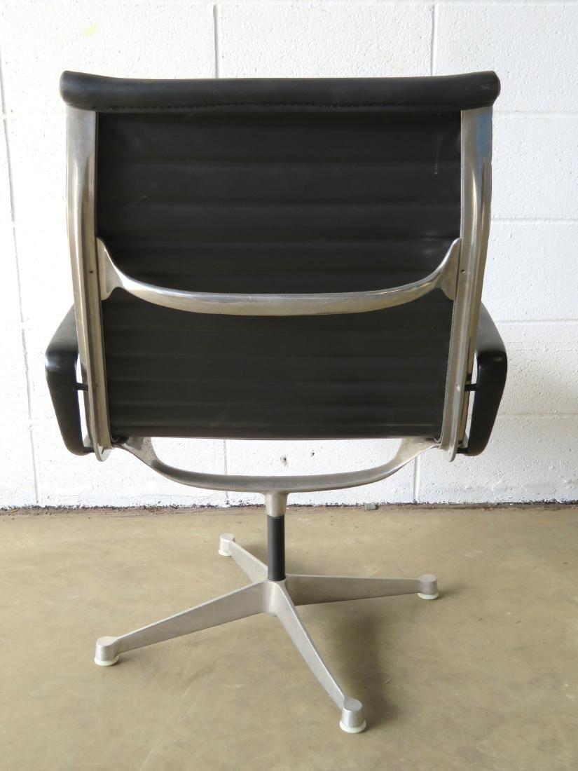 Signed Herman Miller (Charles & Ray Eames design) black - 3