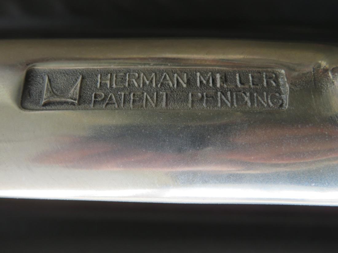 Signed Herman Miller (Charles & Ray Eames design) black - 4