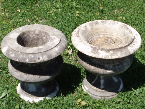 """7: 19th c. two marble garden urns (approx. 12"""" x 12"""" -"""