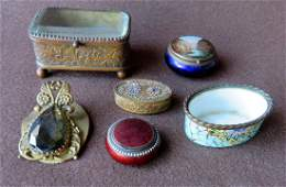 Grouping of mostly Victorian lady's dresser articles