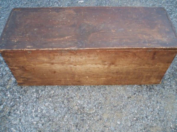 1030: 18th c. Blanket Chest - cotter pin hinges - in re - 2