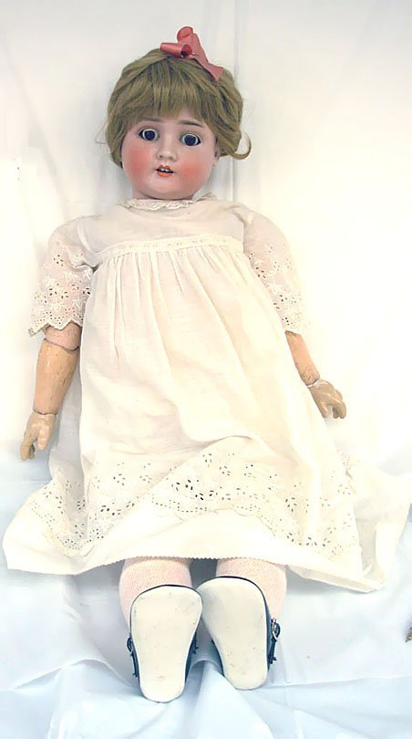"1: 31"" Schoenau & Hoffmeister Doll, set brown eyes, com"
