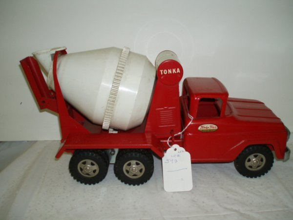 592: 1950's Tonka Cement Truck