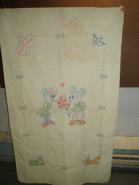 639: Cross-Stitch Minnie & Mickey Mouse Crib Quilt - 2