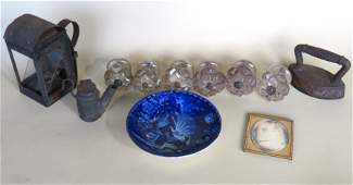 Grouping of country collectibles including Miniature