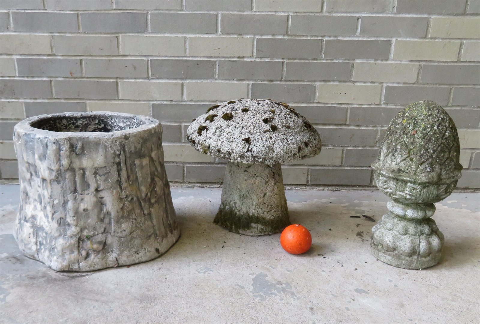 Grouping of 3 decorative garden items: 1) A concrete