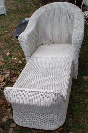 11: Wicker chaise, wicker chair and wicker ottoman sign