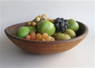 A grouping of 16 pieces of painted stone fruit,