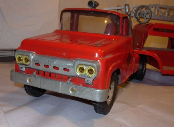 3: Tonka Aerial Ladder Fire tractor trailer, 1959 very