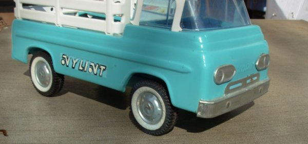 19: Nylint Stake truck repaint very good cond