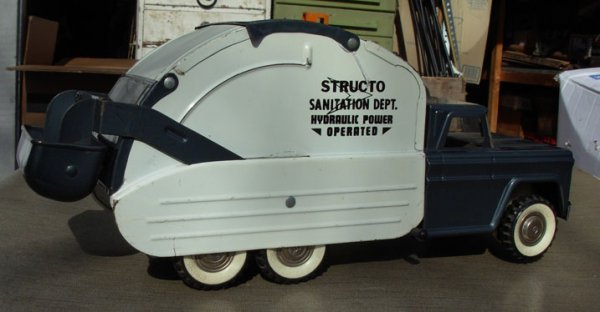 20: Structo; Sanitary truck, hydraulically operated ver