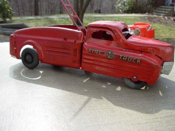 "72: Buddy-L Fire truck 12"" lg 1940's very good cond. - 2"
