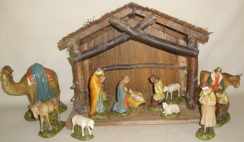 19: Wooden cresh with figures, most signed made in Germ