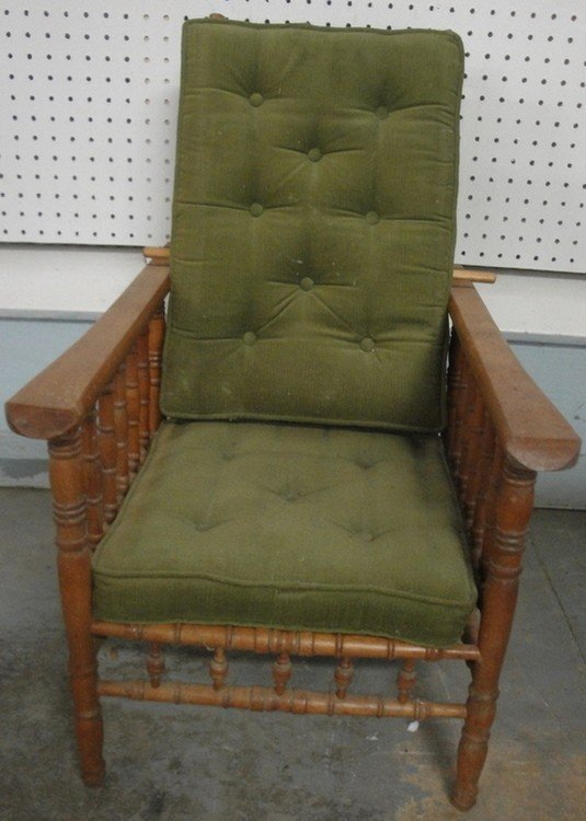 172: Child's birch Morris chair with spool turnings - l