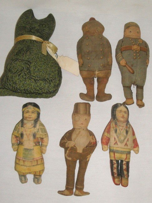 178: Grouping of children's toys inc. six small cloth d