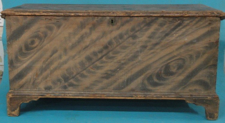 86: Chippendale blanket chest in smoke grain paint