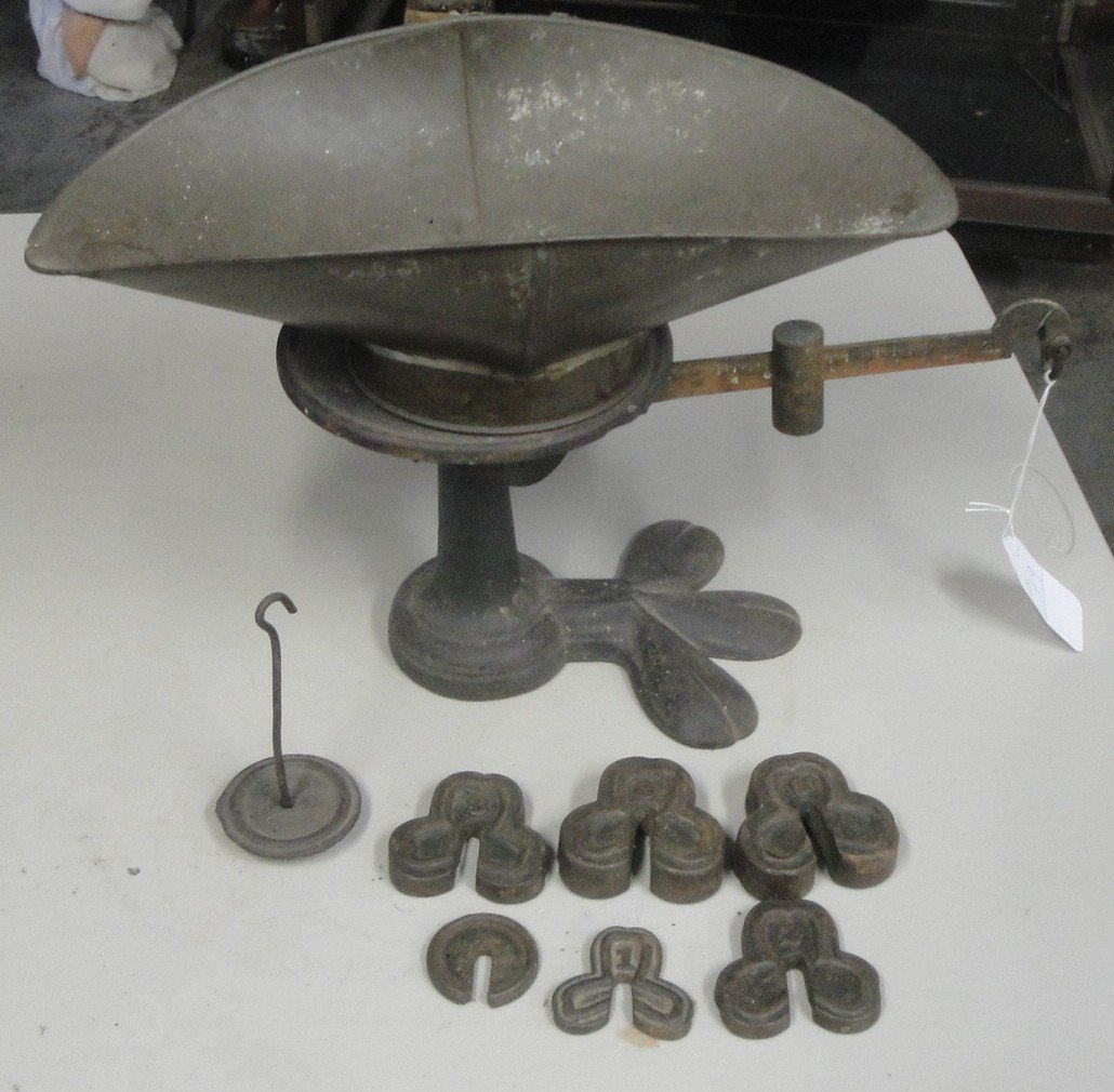 19: Country store balance scale with cast iron weights