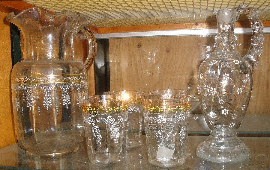 407: Collection of hand blown glass articles including