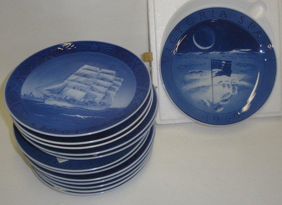 22A: 13 B&G plates + 12 Royal Copenhagen plates.