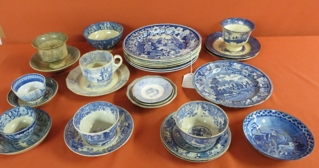 186: Collection of 29 pieces of mostly blue and white t