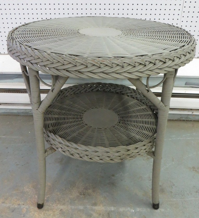 15B: Round wicker table in green paint - early 20th cen