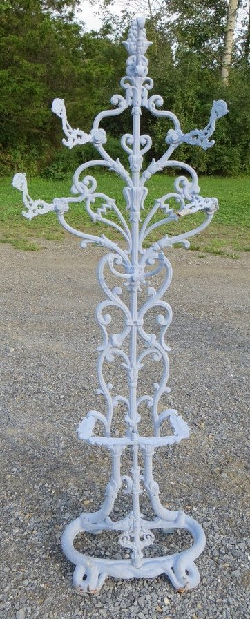 18: Cast iron hall tree, early to mid-20th century - se