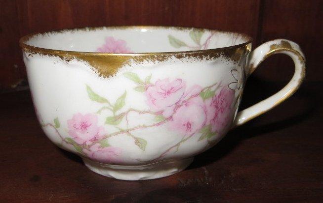 """277: Set of Haviland Limoges china """"Baltimore Rose"""". - 2"""