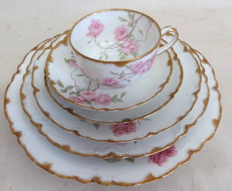 """277: Set of Haviland Limoges china """"Baltimore Rose"""". - 7"""