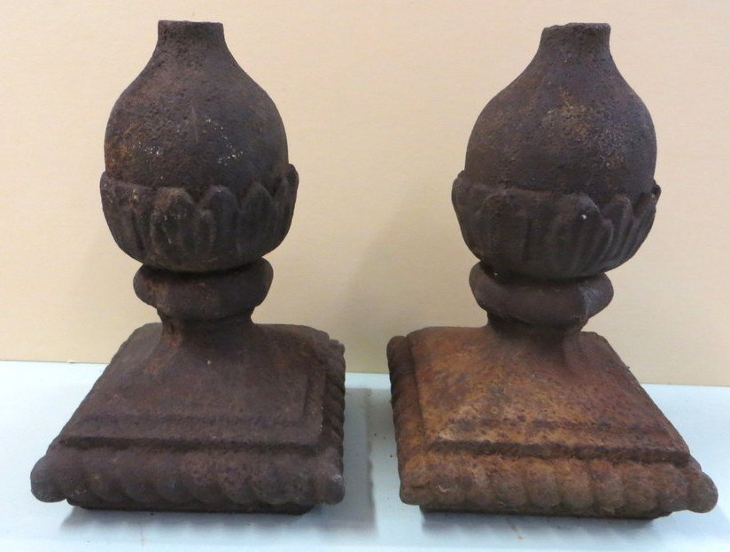 1: Pair of cast iron building finials - 19th century -