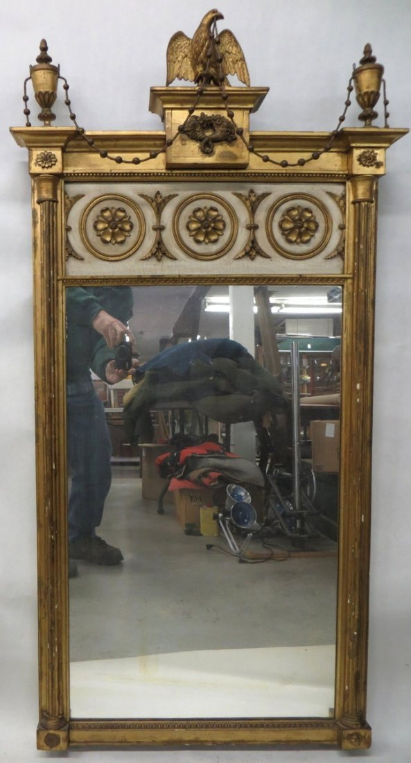 300: Outstanding classical Federal wall mirror.