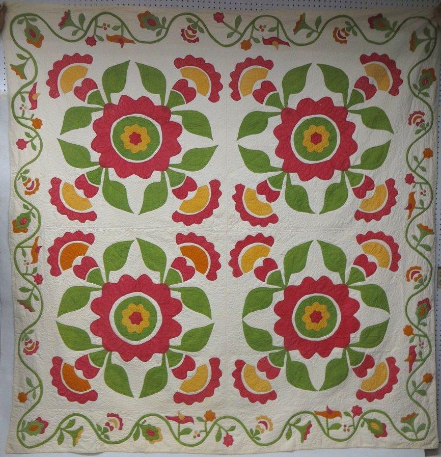 377:Beautiful floral appliqué quilt w/bird border