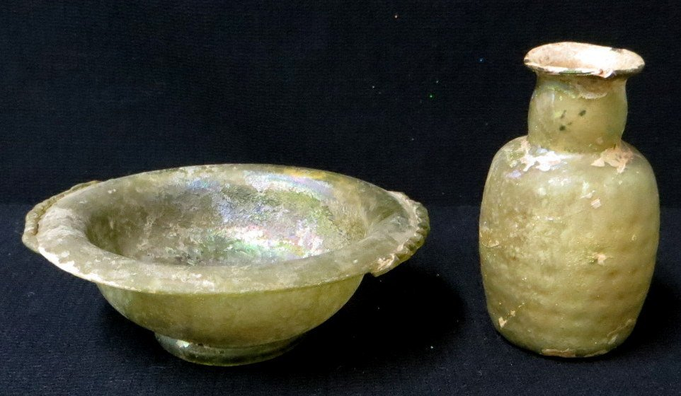 Ancient Roman glass - 2 pieces consisting of a bowl wit