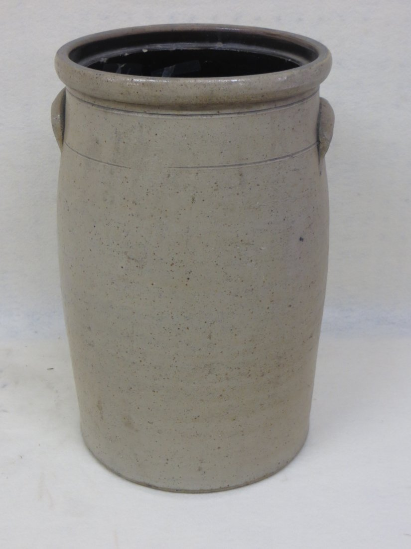 Stoneware 6 gal. butter churn crock with bee sting deco - 2