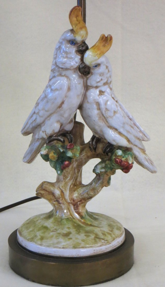 Porcelain table lamp with 2 hand painted kissing