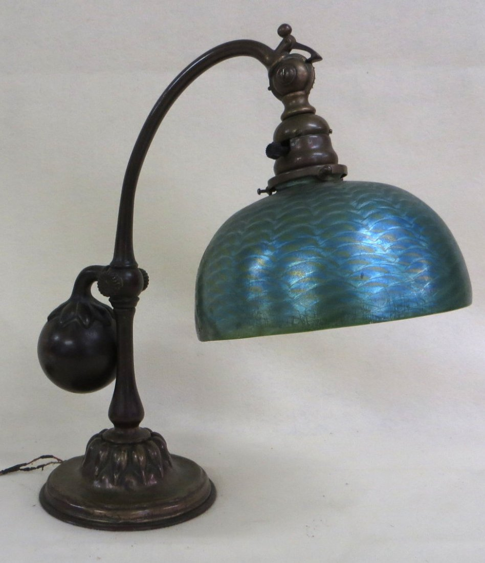 Tiffany counter weight bronze desk lamp - base signed