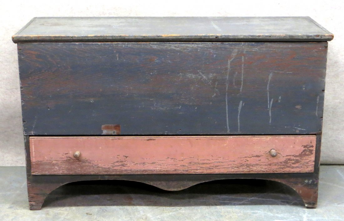 Early single drawer blanket box in old paint - top &