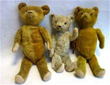 Three jointed Teddy Bears.