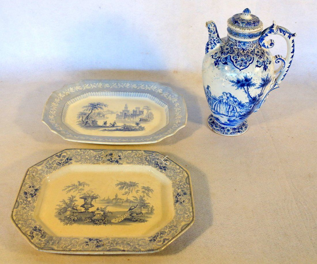 Three pieces of blue and white china including: 1)